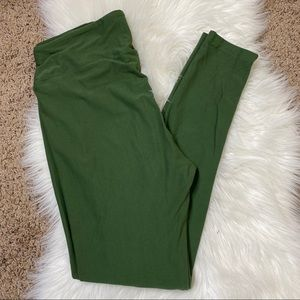 Lularoe tall and curvy olive green solid leggings